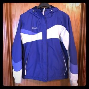 Womens Columbia jacket with a hood